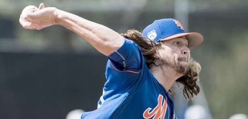 NY Mets pitcher Jacob deGrom throws a live