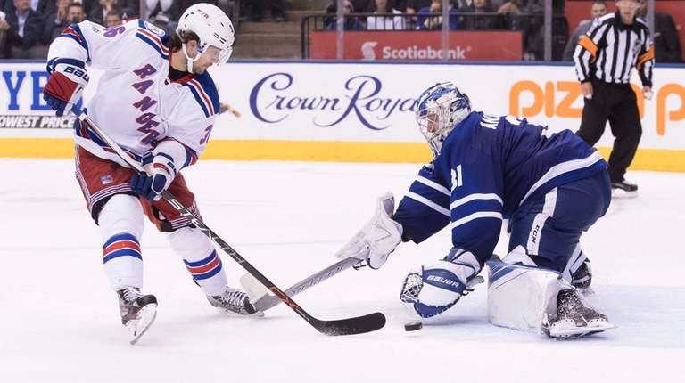 Rangers' Mats Zuccarello scores on Toronto Maple Leafs