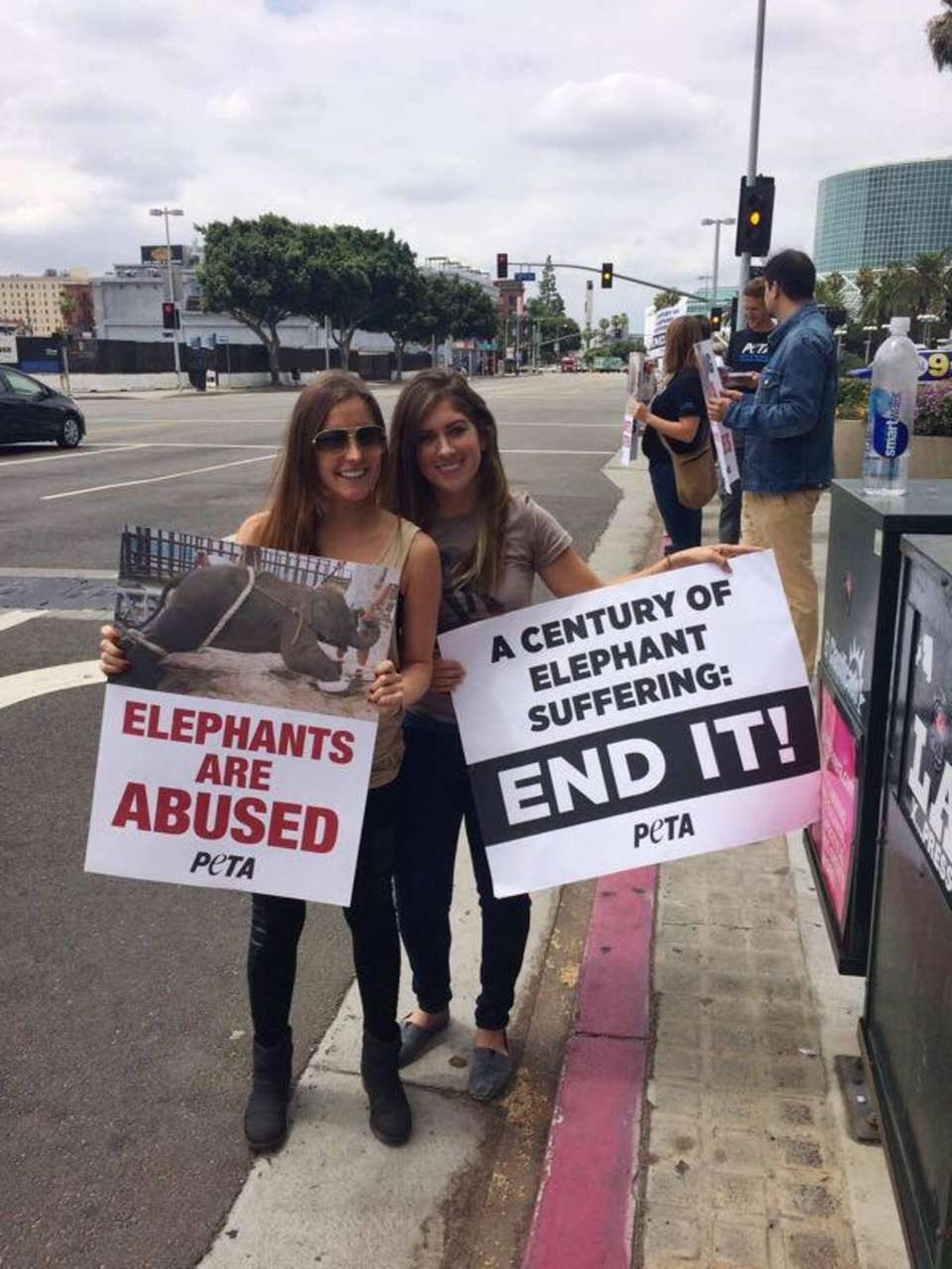 Carley Bowering and Michelle Feinberg protesting Ringling's abuse