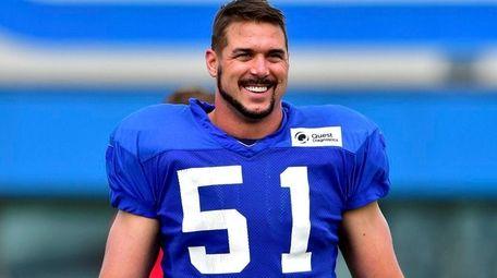 New York Giants long snapper Zak DeOssie looks