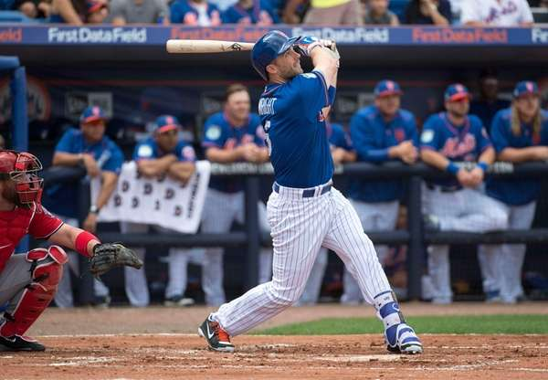 Mets infielder David Wright at bat during today's