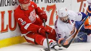 Detroit Red Wings defenseman Nick Jensen (3) and