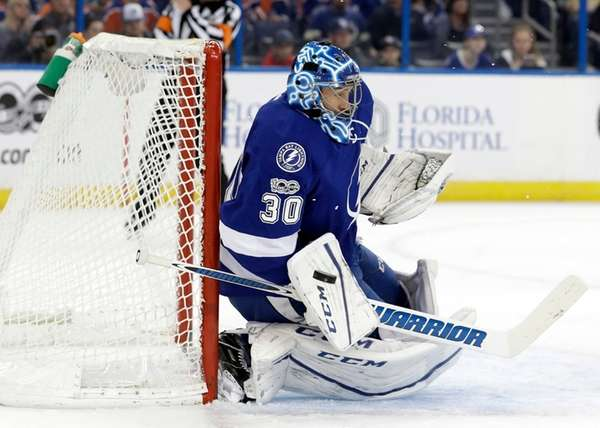 Tampa Bay Lightning goalie Ben Bishop (30) makes