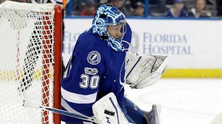 Tampa Bay Lightning goalie Ben Bishop (30) makes