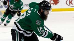 Dallas Stars' Patrick Eaves (18) skates up ice