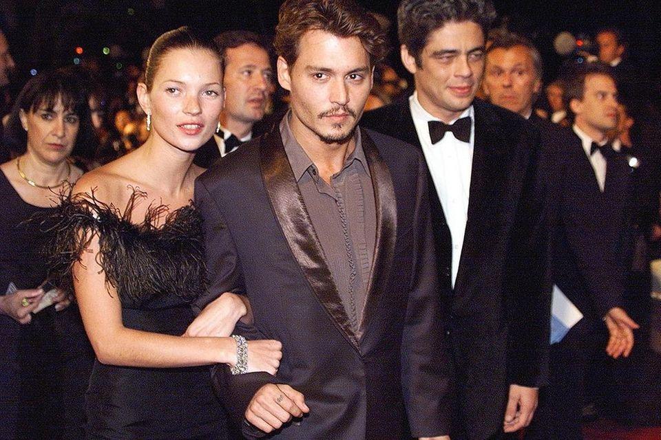 Johnny Depp began dating supermodel Kate Moss in