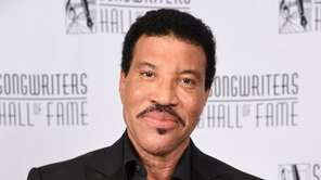 Lionel Richie says the tour with Mariah Carey