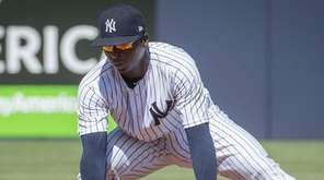 New York Yankees' SS Didi Gregorius fielding a