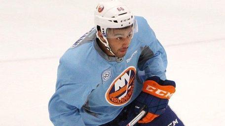 Joshua Ho-Sang of the New York Islanders skates