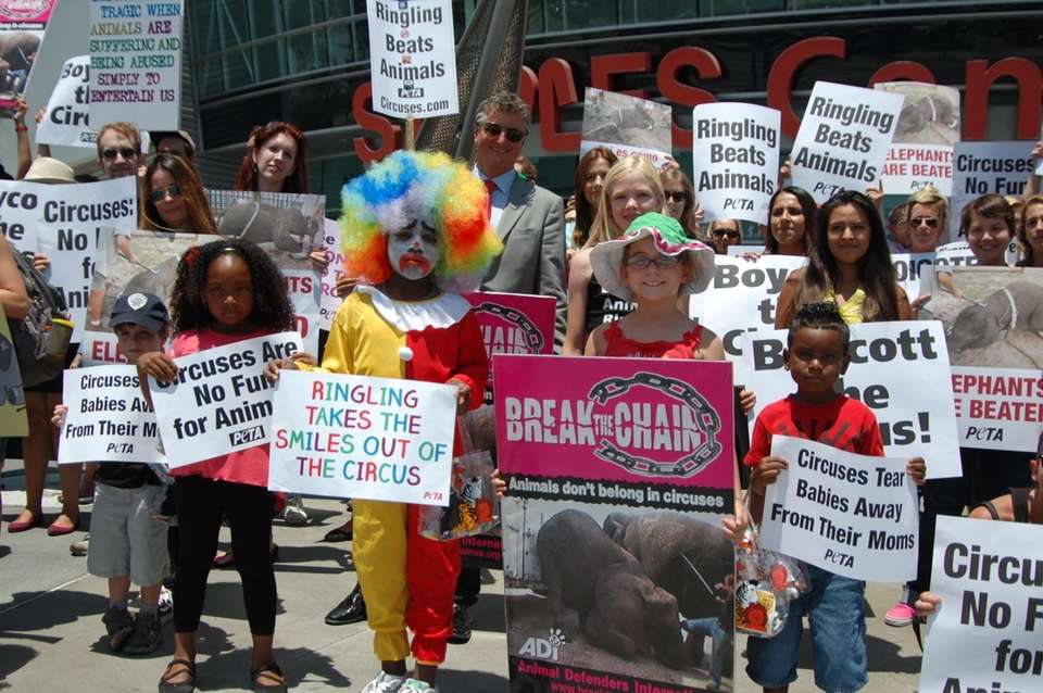 Kids lead Ringling protest