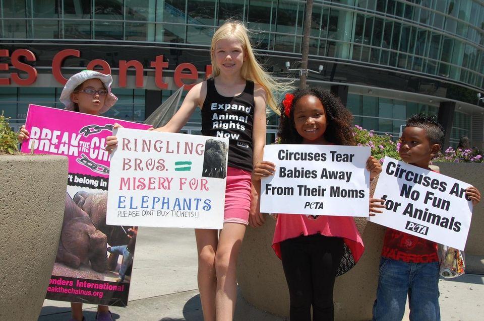 Children lead Ringling Circus protest