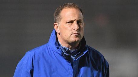 Hofstra head coach Seth Tierney looks on against