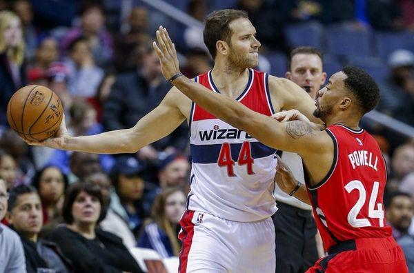 Washington Wizards guard Bojan Bogdanovic, left, in action