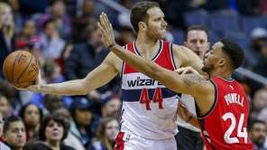 Washington Wizards guard Bojan Bogdanovic, left, in action