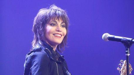 Joan Jett will go on tour with Boston,