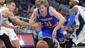 New York Knicks guard Ron Baker (31) is