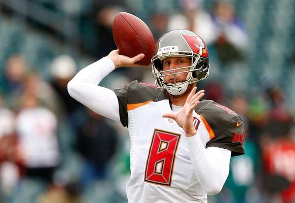 Details of Former Buccaneers Quarterback Mike Glennon Signing with Chicago