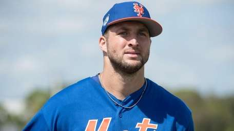 Former NFL quarterback and New York Mets outfielder