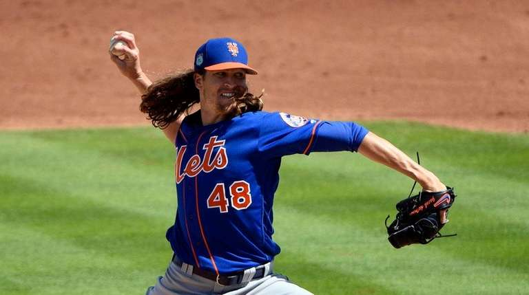 Jacob deGrom of the Mets pitches against