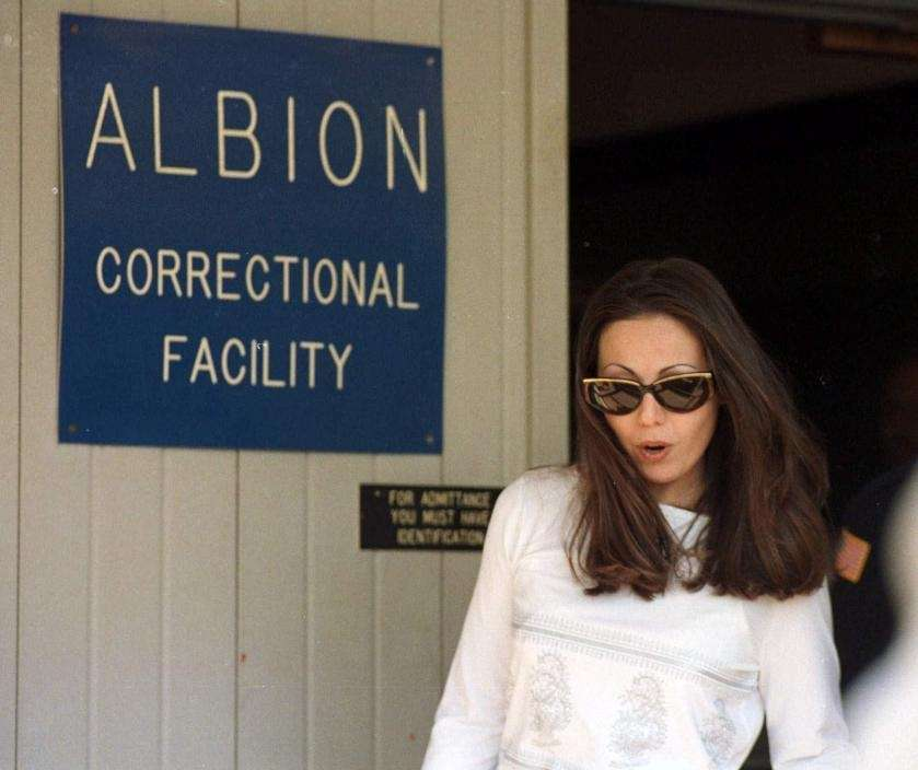Amy Fisher walks out of the Albion Correctional