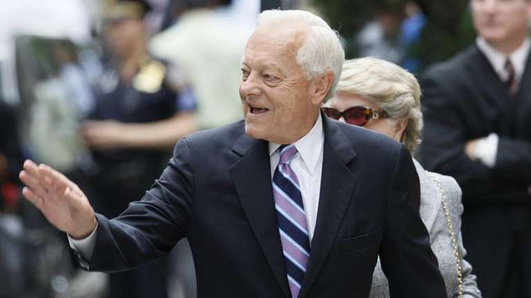 Bob Schieffer will return to CBS as a