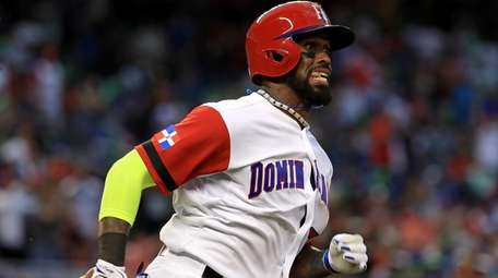 Jose Reyes #7 of the Dominican Republic hits