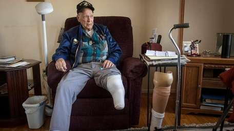Tom Swenson, 89, a Navy Seabee and later