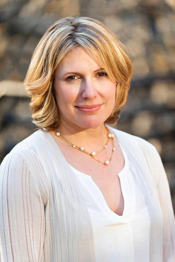Holly Tucker, author of