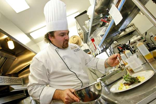 Arie Pavlou is reopening Bistro Eté in a