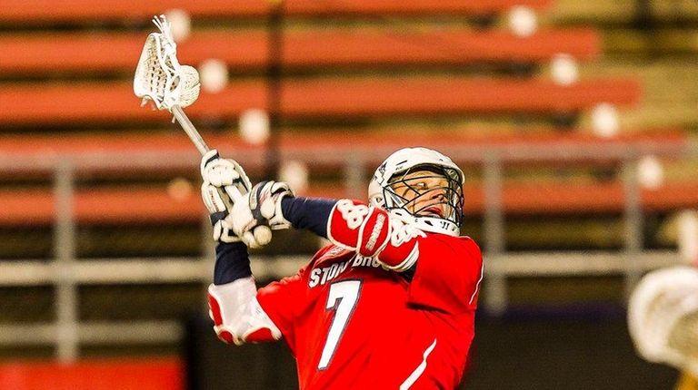 Alex Corpolongo of Stony Brook winds up to