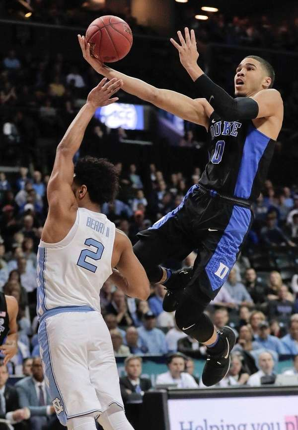 Duke forward Jayson Tatum (0) goes up for