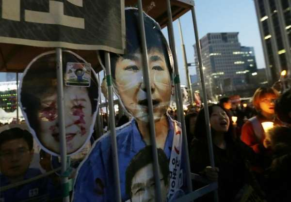 Protesters with portraits of impeached President Park Geun-hye