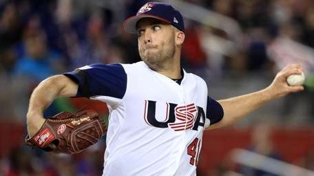 Danny Duffy #41 of the United States pitches