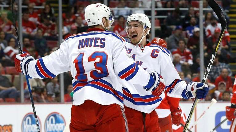 New York Rangers center Kevin Hayes (13) celebrates