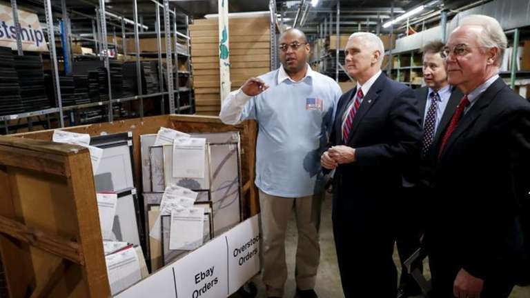 Vice President Mike Pence, center, and Health and