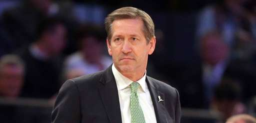 New York Knicks head coach Jeff Hornacek coaches