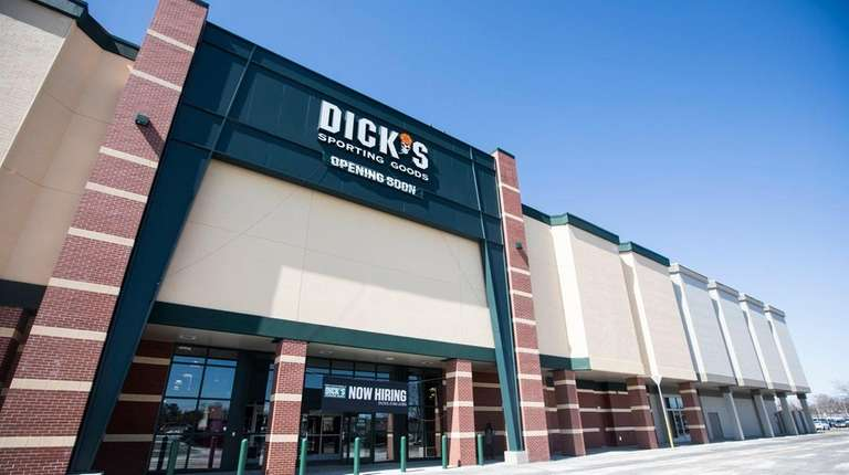 Dick's Sporting Goods Store is hiring to fill
