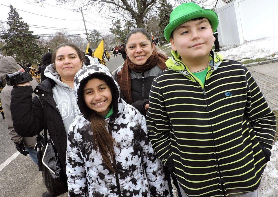 Roxanna Lozano, Maria Pena, Susana Landaverde, 10, and