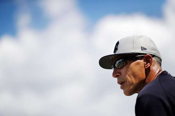 Joe Girardi: Didi Gregorius could miss all of April