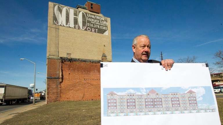 Freeport Mayor Robert Kennedy announces the sale of