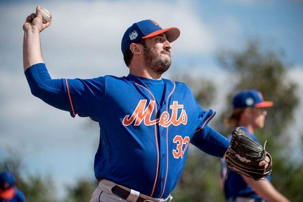 Mets pitcher Matt Harvey throws a bullpen session