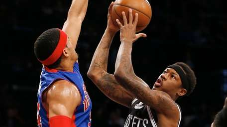 Archie Goodwin #10 of the Brooklyn Nets attempts