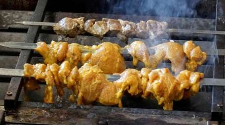 NY Garden Kabobs in Huntington offers marinated kebabs