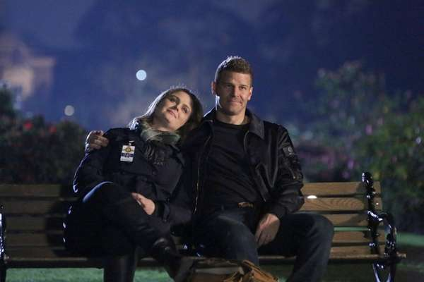 Emily Deschanel and David Boreanaz in