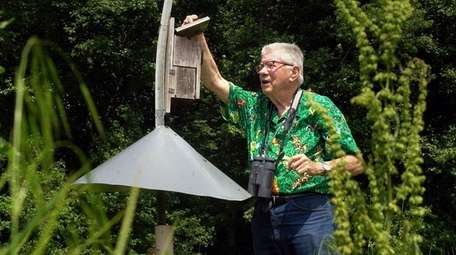 Robbins, who observed avian life worldwide, tagged more