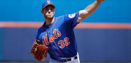 Steven Matz of the New York Mets throws