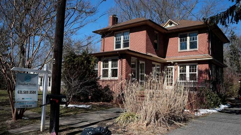 A property for sale at 27 Chateau Dr.