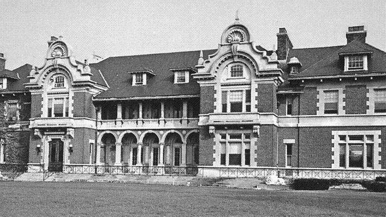 Idle Hour, William K. Vanderbilt's summer estate in