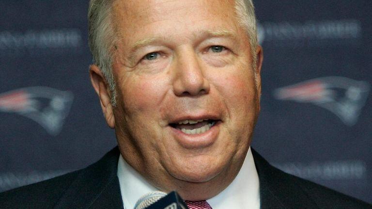 New England Patriots owner Bob Kraft talks to