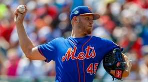 New York Mets starting pitcher Zack Wheeler (45)